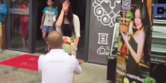 man proposes to TV Star